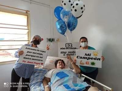 Tras 52 días hospitalizado retornó a su hogar