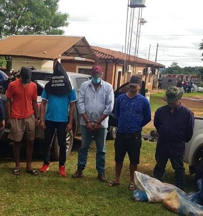 Cinco detenidos y varias armas incautadas en Itacurubí del Rosario