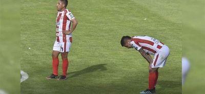 Futbolistas de Bolivia amenazan con paralizar el torneo único