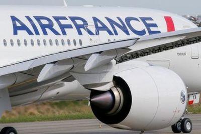 Francia suspende vuelos con origen o destino a Brasil