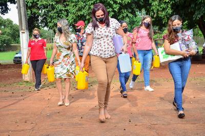 Liz Magnolia recibe apoyo de mujeres líderes