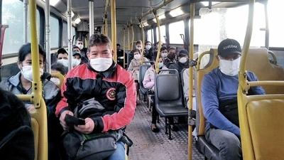 """Argentina: Anuncian """"medidas complementarias"""" para que el transporte circule con ventanas abiertas"""