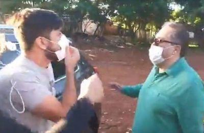 "Escrache a supuesto ""médico planillero"" en Alto Paraná"
