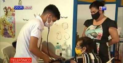 Pdte Franco: Vacunaron a personas menores de 85 años