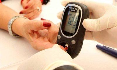 Instan a vacunar a personas con diabetes
