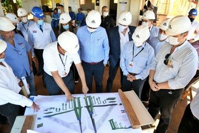 Directores de Itaipu verifican avance de obras del Puente de la Integración
