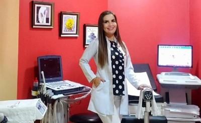 Paola Zarza es nueva directora del Hospital Distrital de Pdte. Franco