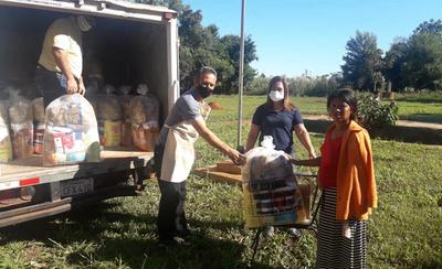 Entregan kits de alimentos a escuelas de Repatriación