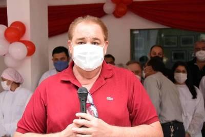 Gobernador condena vacunación irregular en Presidente Franco