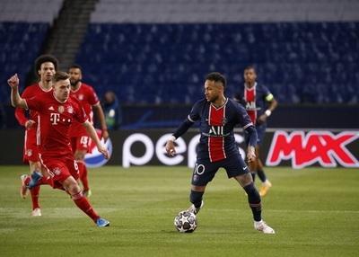 Neymar armó un show ante el Bayern