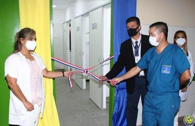 Inauguran laboratorio en Hospital de Luque y pruebas de Covid estarán en el día •