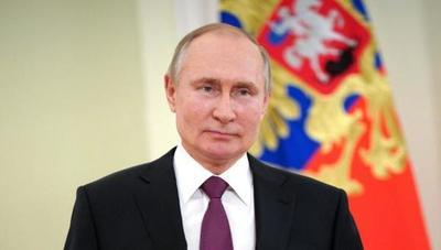 Vladimir Putin recibió la segunda dosis de la vacuna anticovid rusa