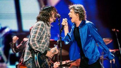 Rock de alto voltaje: Mick Jagger y Dave Grohl le cantan las cuarenta al Covid-19