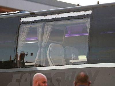Apedrean el autobús del Real Madrid a su llegada a Anfield