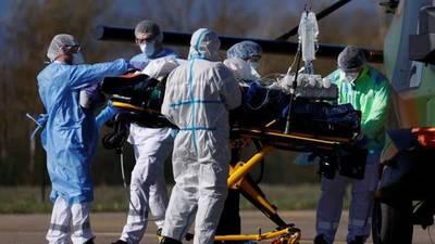 Médico lamenta que mueran muchos jóvenes sin enfermedad de base por covid-19