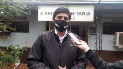 Presidente Franco: Director regional de CDE responsabiliza a 3 enfermeros por vacunación irregular