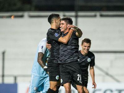 Montevideo City emula a su hermano inglés y avanza en la Sudamericana