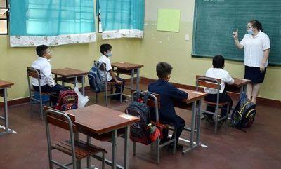 El cierre de escuelas no reducirá contagios, dicen