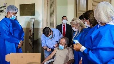 Fiscalía abre investigación penal por vacunación irregular en Alto Paraná