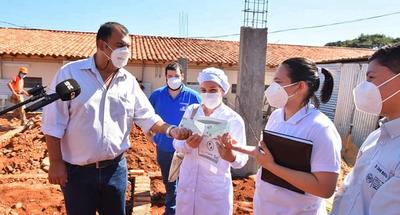 Gobernación entrega importante aporte al Hospital de Caazapá