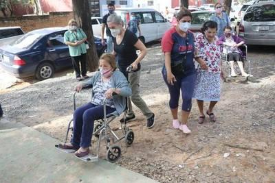 PENÚLTIMO DÍA PARA VACUNAR A MAYORES DE 85 AÑOS