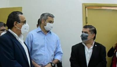 Abdo Benítez se someterá a test por contacto con ministro
