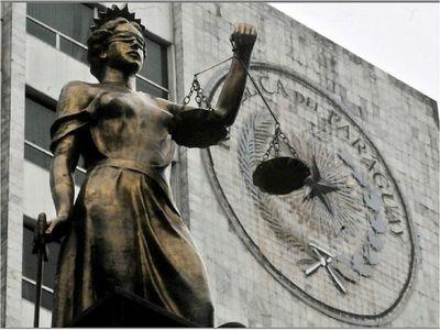 Corte anula condenas para autores del crimen de Evelyn Michel