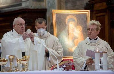 """Papa insta a combatir con """"política de fraternidad"""" el auge del populismo"""