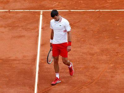 Djokovic descarrila ante Evans y Nadal arrolla a Dimitrov