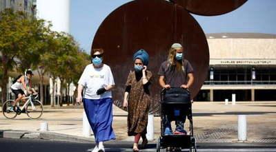 Los israelíes ya no deberán usar mascarilla al aire libre a partir del domingo