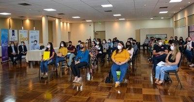 La Nación / Premiaron a 32 jóvenes emprendedores con capital semilla y capacitaciones