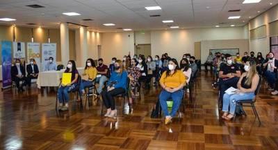 En la tercera edición del Concurso Crece,32 jóvenes emprendedores fueron premiados – Prensa 5