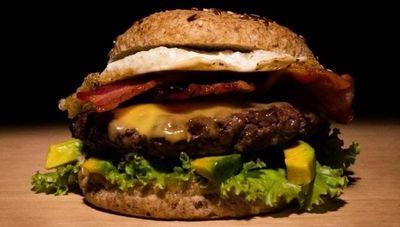 Keto Neto lanza una hamburguesa para matar todos los antojos (también tienen almuerzos, cenas, panificados y dulces)