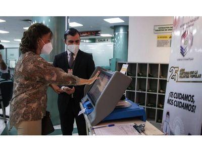 Máquina de voto en la CU