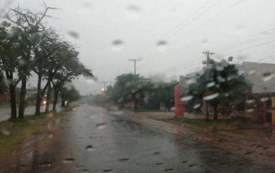 Viernes cálido, con lluvias y tormentas eléctricas
