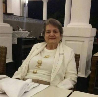 Docente Jubilada de 87 años de edad recibió primera dosis de vacuna