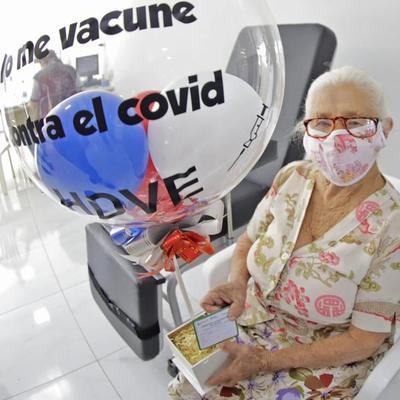 Adultos mayores de 85 años hasta hoy tienen chance de vacunarse