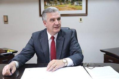 Baccheta pide a la Fiscalía abrir investigación para identificar a responsables de mala administración de la pandemia