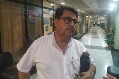 Diputado aboga por la suspensión de las internas, preocupado por eventual contagio masivo