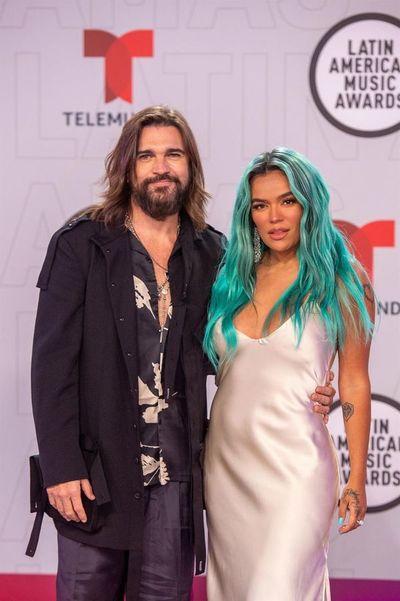 Bad Bunny y Karol G ganan en los Premios Latin AMAs de la música en Miami