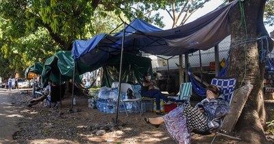 La Nación / Reclaman asistencia tras destrozos que dejó temporal en afueras de hospitales