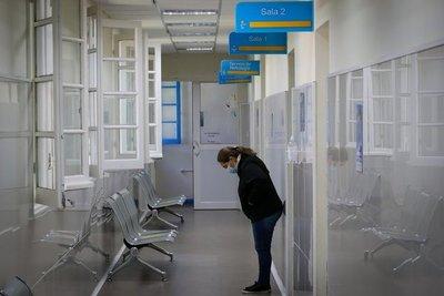 Uruguay reporta récord de muertes diarias y extiende sus restricciones hasta el 30 de abril