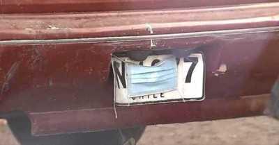 Insólito: tapó la matrícula de su auto con una mascarilla para evitar el cobro electrónico del peaje