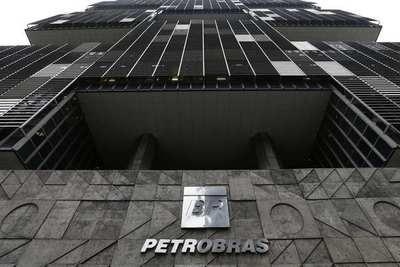 Consorcio liderado por Petrobras devuelve área petrolera por bajo potencial