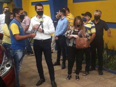 Intiman a Cáceres a realizar un cierre administrativo