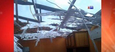 Fuerte temporal causa destrozos en San Pedro