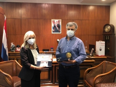 Ministerio del Interior dona a la Senad kits de detección de estimulante sintético