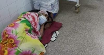 """Abuelita se acostó en el piso """"mientras le buscaban lugar"""", según doctor"""