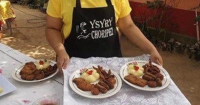 La Nación / Mujeres de Yabebyry emprenden y elaboran hamburguesa y chorizo de pescado