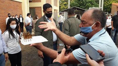 Don Joel Oviedo esta luchando contra el COVID en UTI